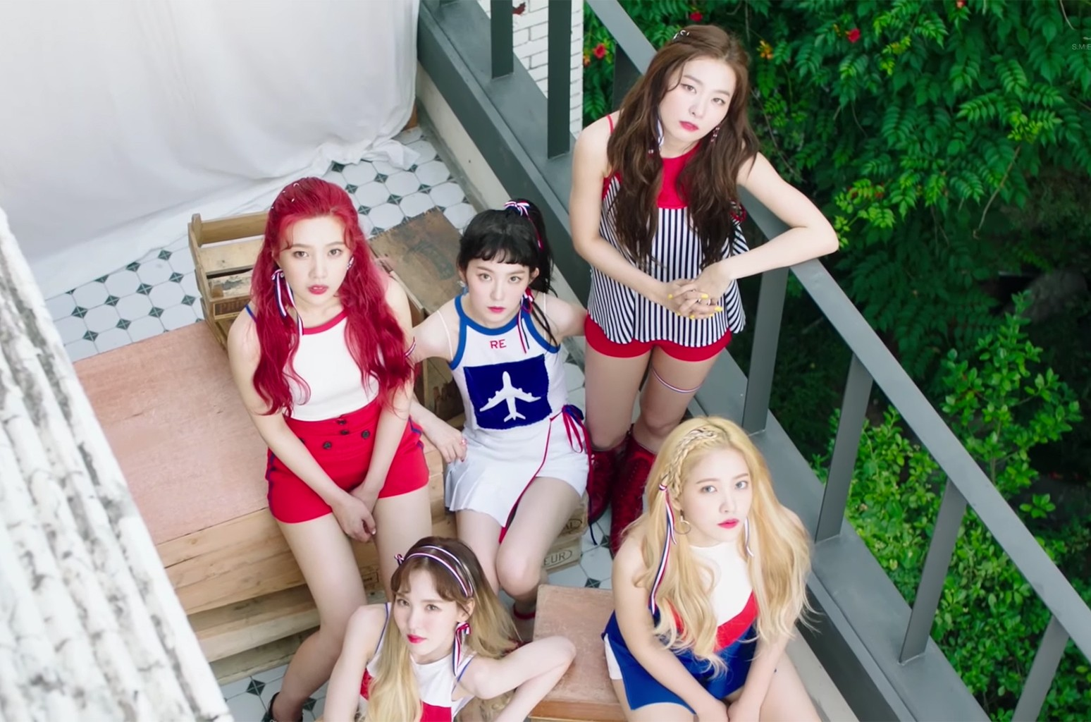 """Red Velvet, """"Red Flavor"""""""