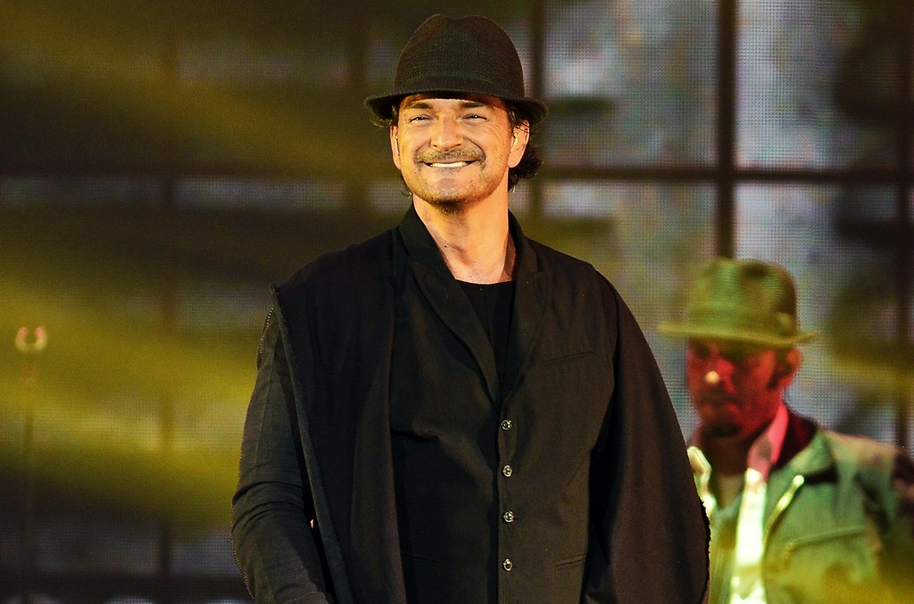 Ricardo Arjona performs at American Airlines Arena on Sept. 19, 2015 in Miami.