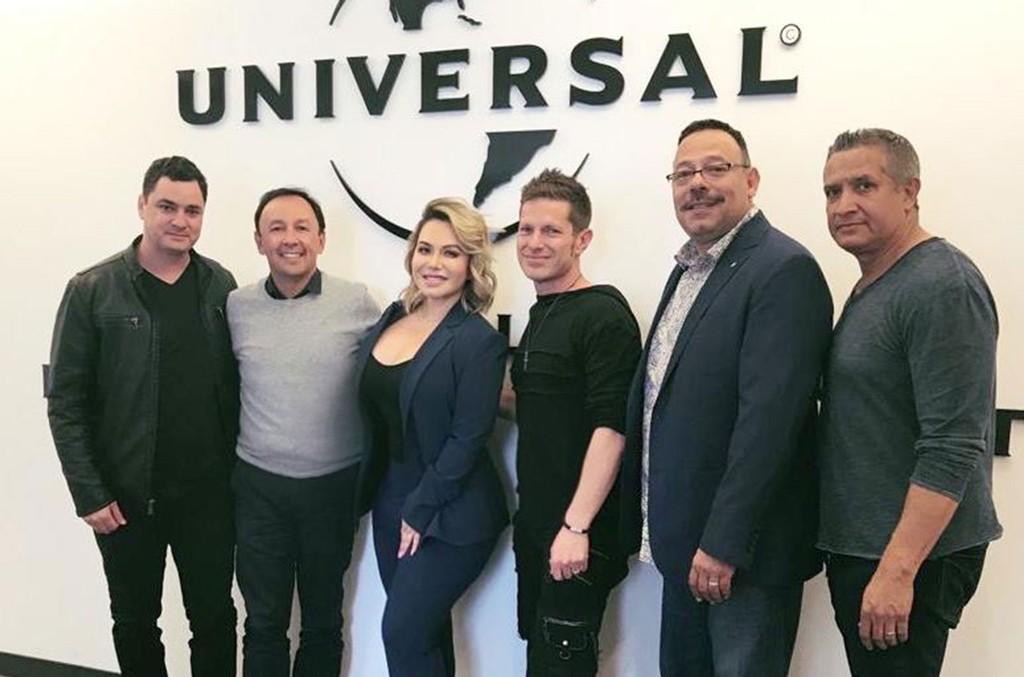Richard Bull (The Sixth House), Victor Gonzalez (UMLE), Chiquis Rivera, Guillermo Rosas (The SIxth House), Sergio Perez (Disa/Fonovisa)