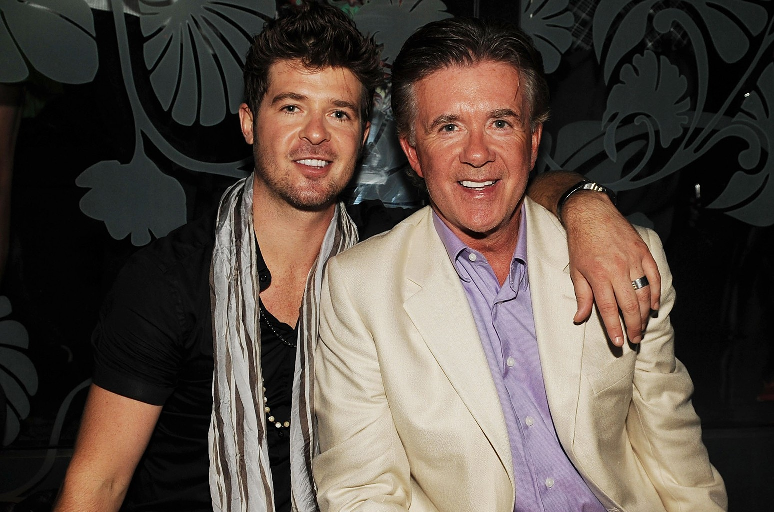 Robin Thicke and Alan Thicke attend The Bank nightclub at Bellagio Las Vegas on June 19, 2009 in Las Vegas.