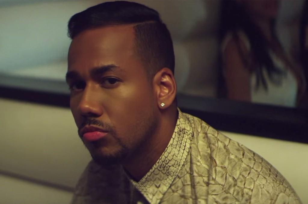 """Romeo Santos in the video for """"Yo También"""""""