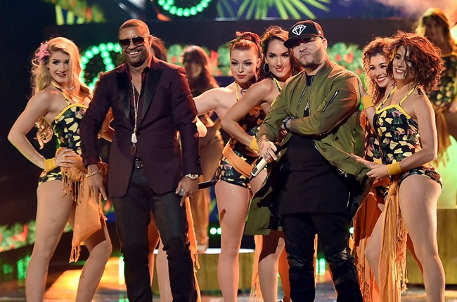 Shaggy-and-Farruko-Latin-American-Music-Awards-2015