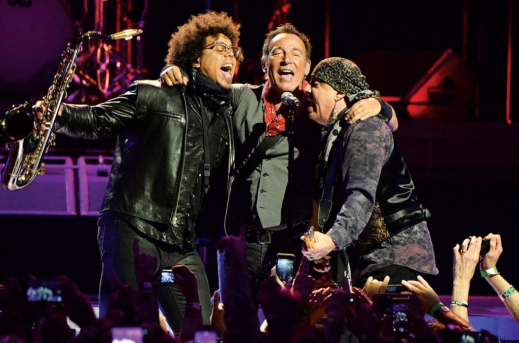 Springsteen-midyear-touring-topline-bb19-2016-billboard-1548