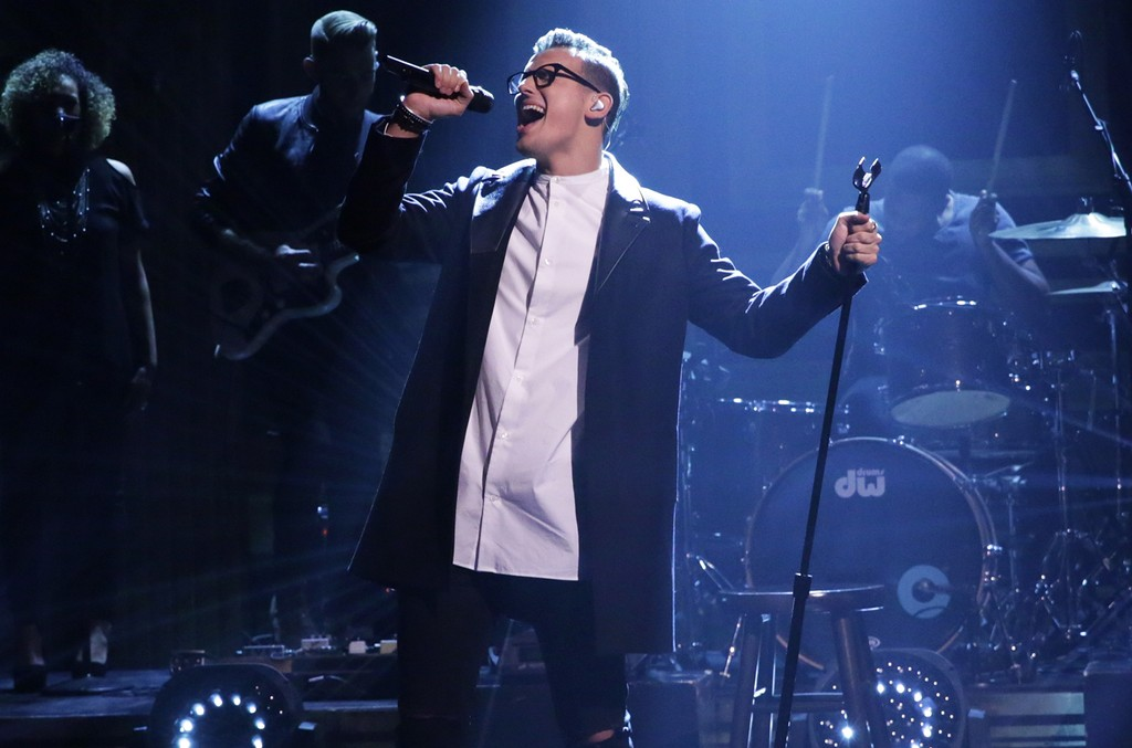 Stanaj performs on The Tonight Show Starring Jimmy Fallon on Oct. 26, 2016.