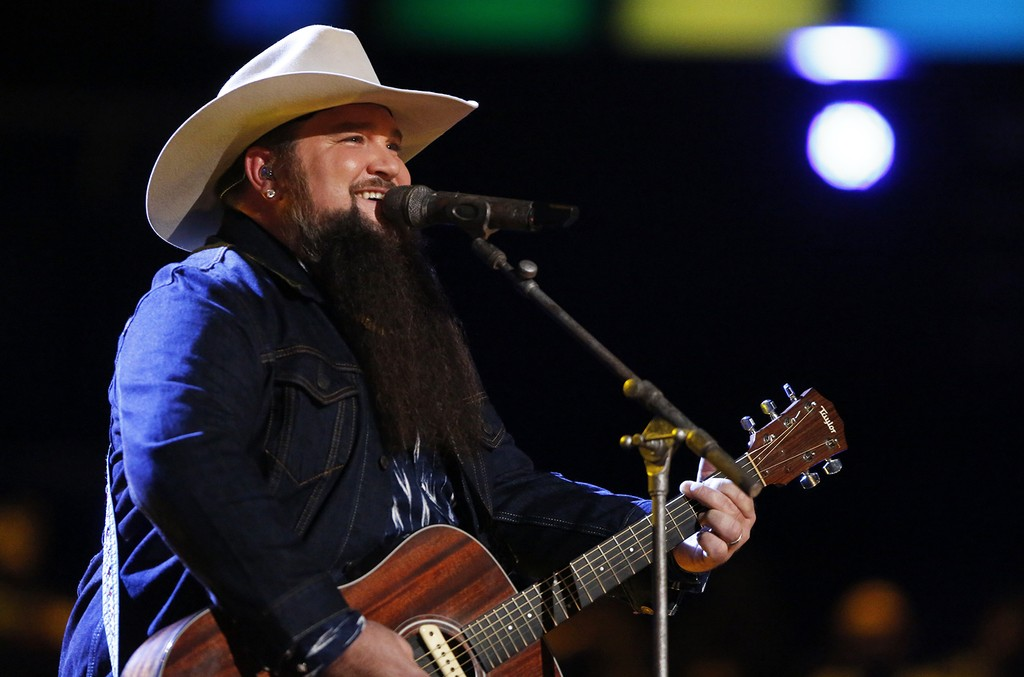 Sundance Head performs on The Voice.