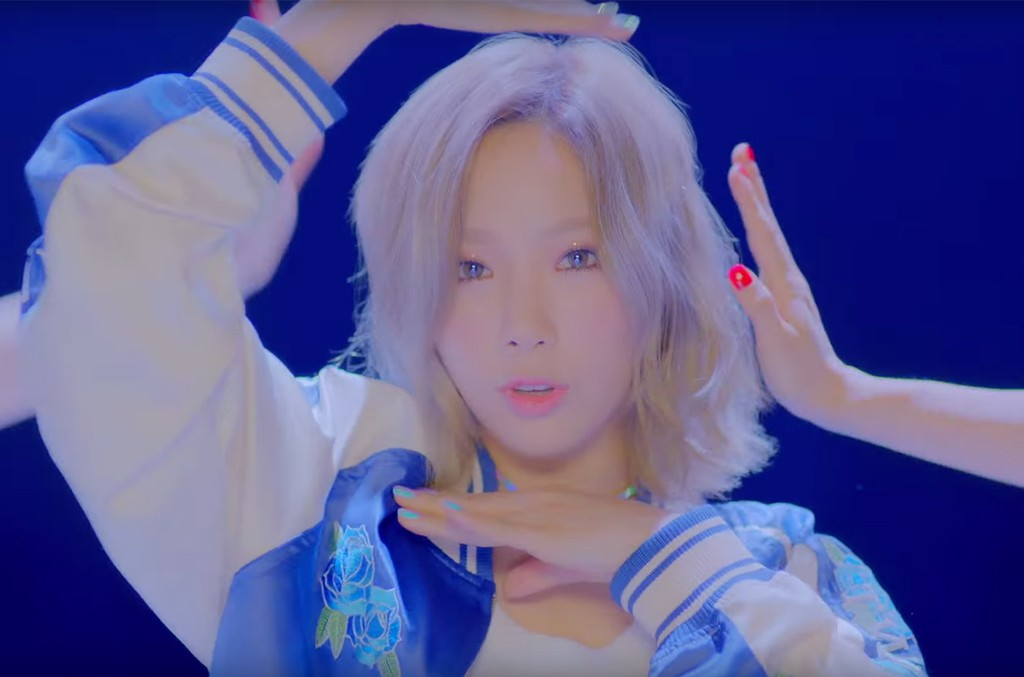 TAEYEON-why-vid-2018-billboard-1548