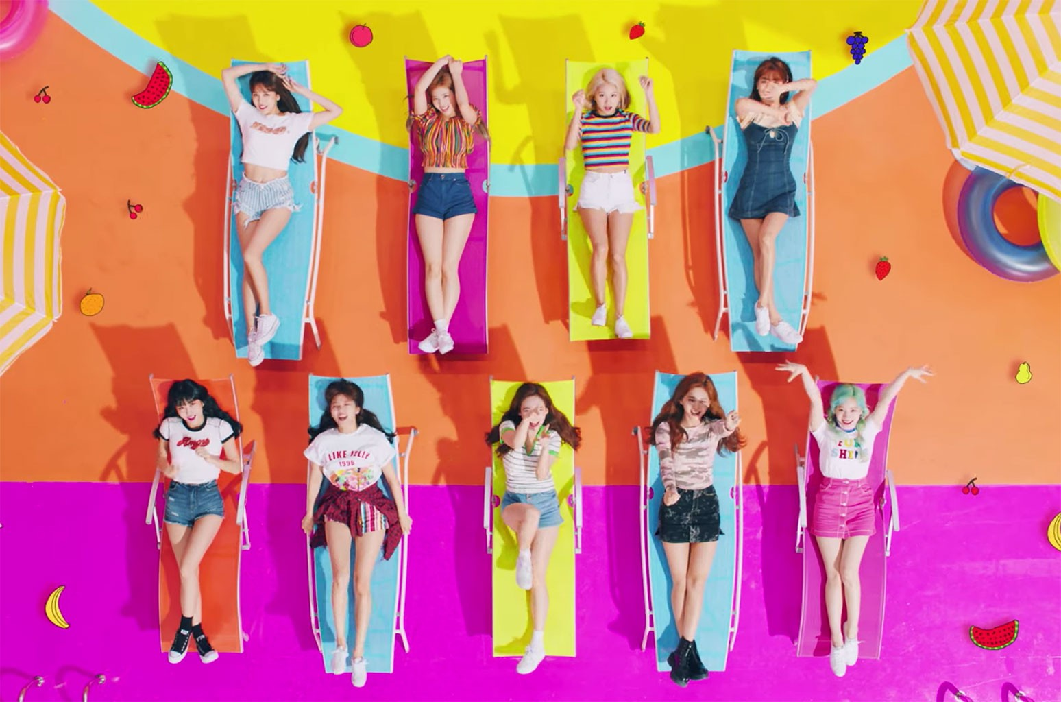 "TWICE, ""Happy Happy"""