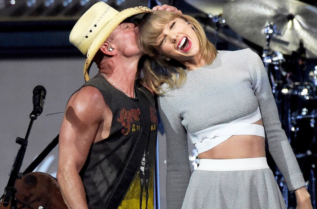 Kenny Chesney and Taylor Swift