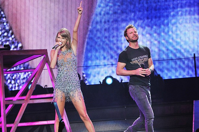 Taylor Swift and Dierks Bentley