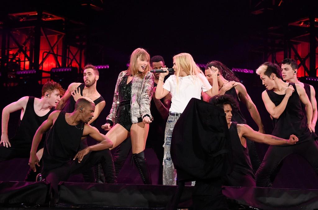 Taylor Swift and Hayley Kiyoko