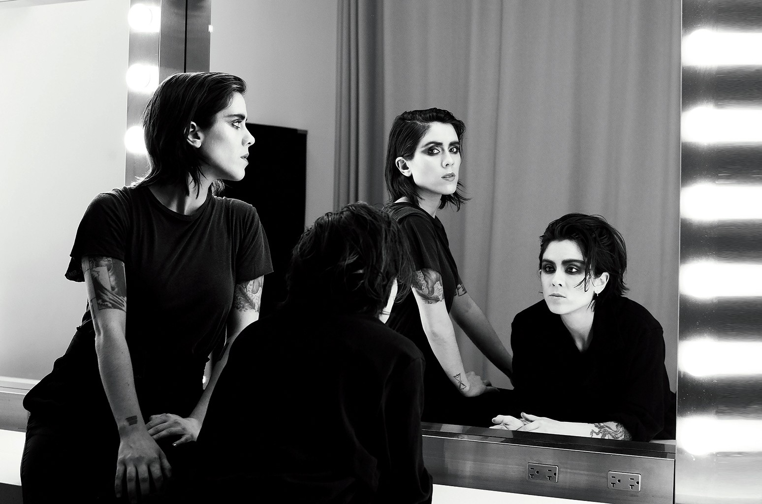 Twin sisters Tegan (right) and Sara Quin's Heartthrob debuted at No. 3 on the Billboard 200 in 2013.