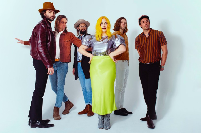 The Head and the Heart's 'Honeybee' Buzzes to No. 1 on Alternative Airplay Chart