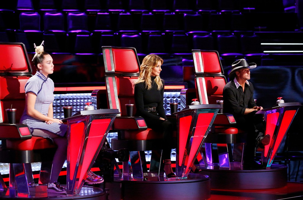 Miley Cyrus, Faith Hill and Tim McGraw on The Voice on Oct. 24, 2016.