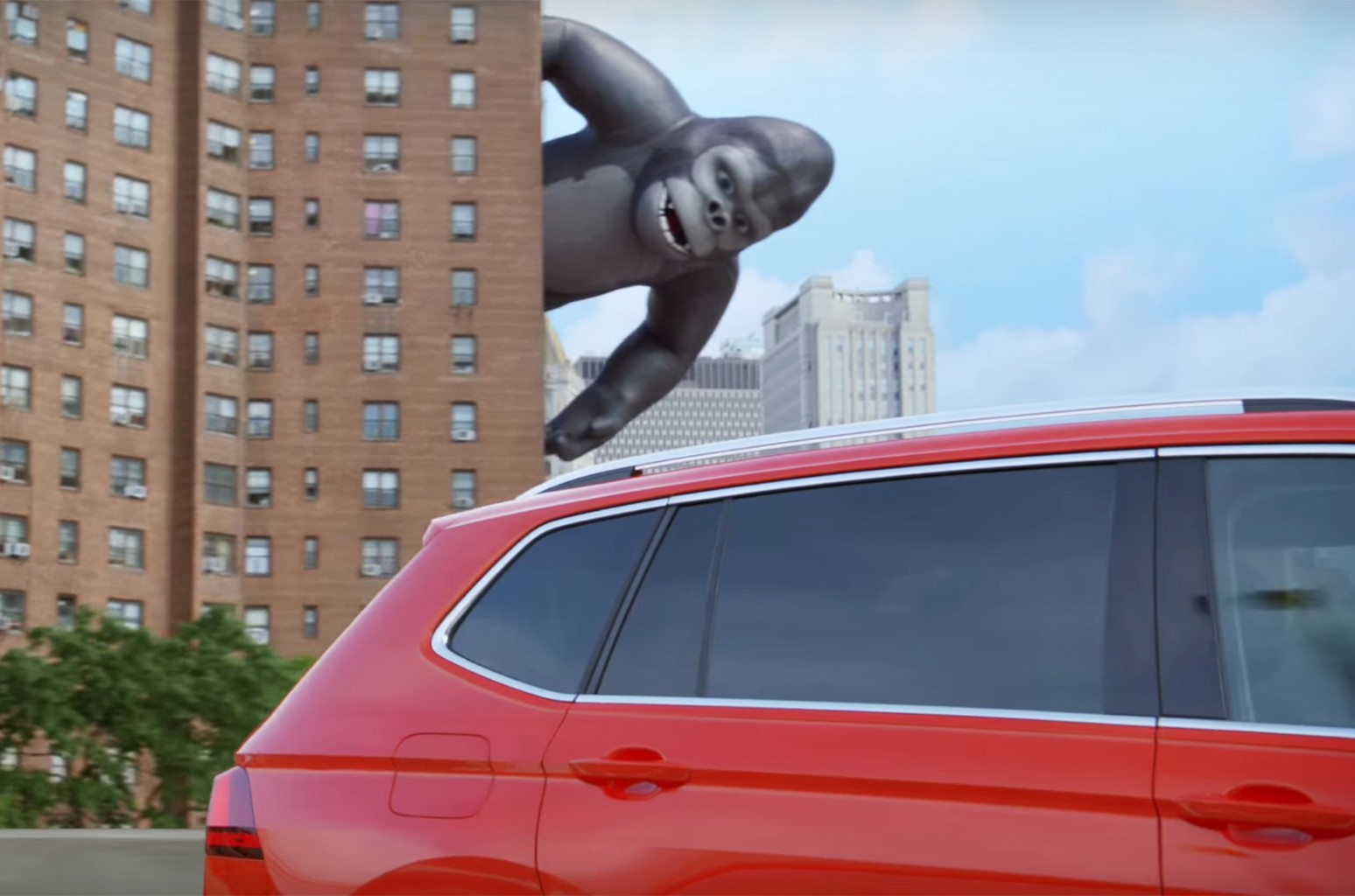 "The all-new Volkswagen Tiguan ""The New King"" Commercial"