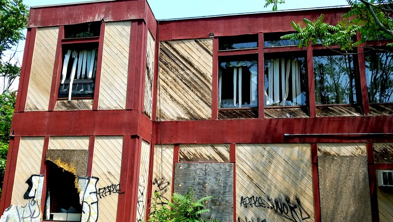<p>The back of the abandoned home of WHJY, WSNE and WHJJ radio in East Providence, Rhode Island.</p>