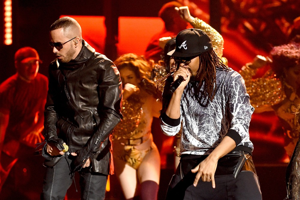 Yandel-and-Lil-Jon-performs-Latin-American-Music-Awards-2015