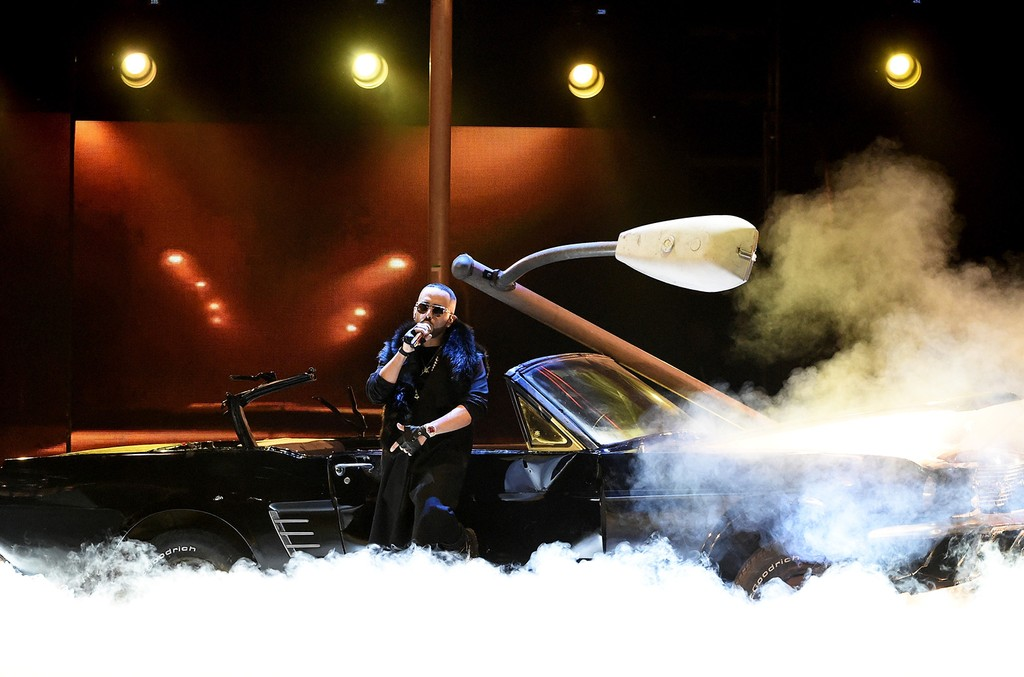 Yandel performs onstage during The 17th Annual Latin Grammy Awards at T-Mobile Arena on Nov. 17, 2016 in Las Vegas.