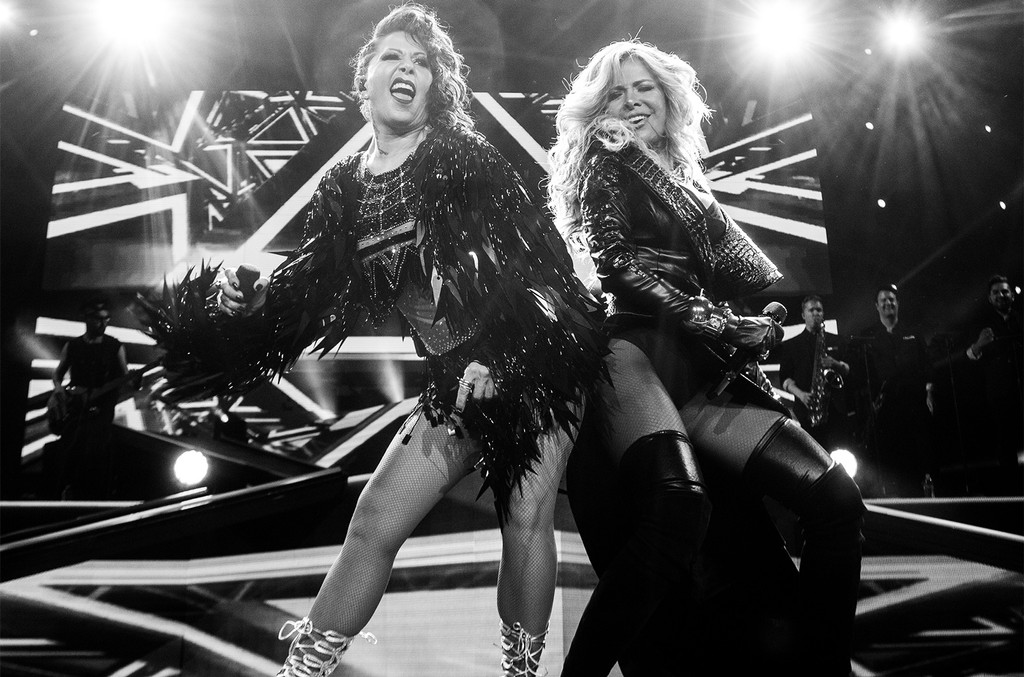 "Gloria Trevi and Alejandra Guzman perform at Alejandra Guzman and Gloria Trevi's ""Versus"" World Tour at Staples Center on June 3, 2017 in Los Angeles."