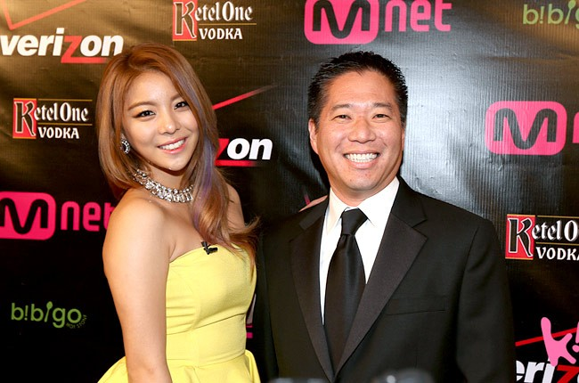 ailee-ted-kim-grammys-2013-parties-650-430