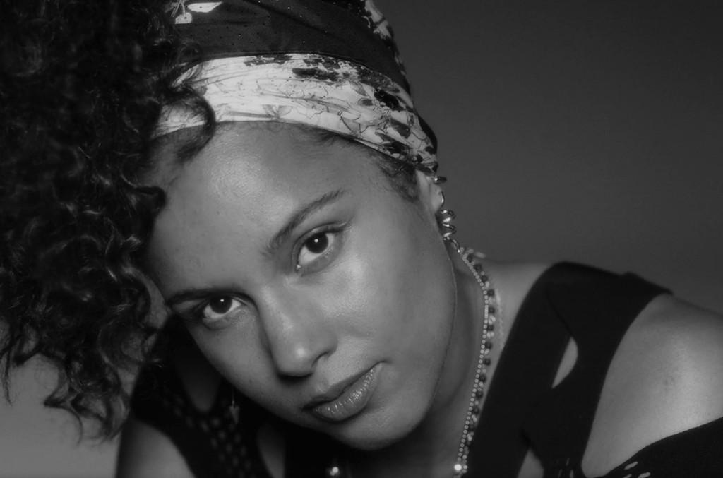 Alicia Keys in the video for In Common