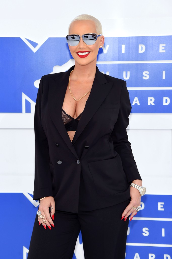 Amber Rose attends the 2016 MTV Video Music Awards
