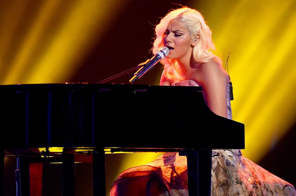 Jax performs at Fox's American Idol XIV
