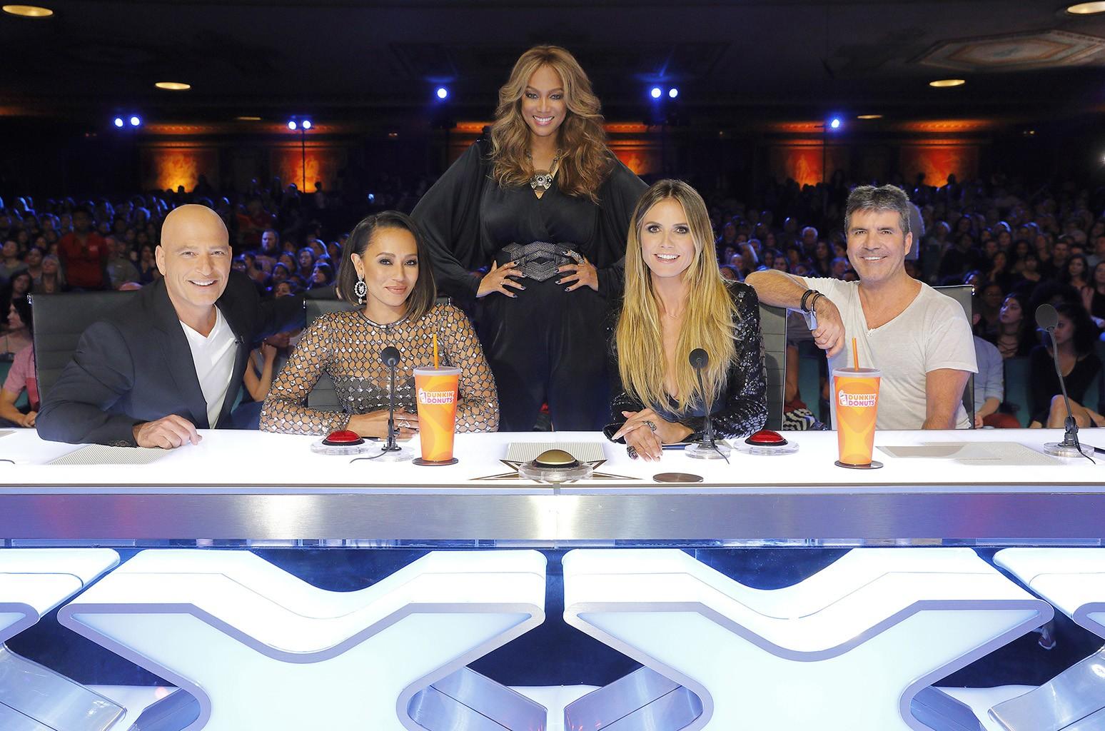 "Howie Mandel, Mel B, Tyra Banks, Heidi Klum and Simon Cowell on ""America's Got Talent"""