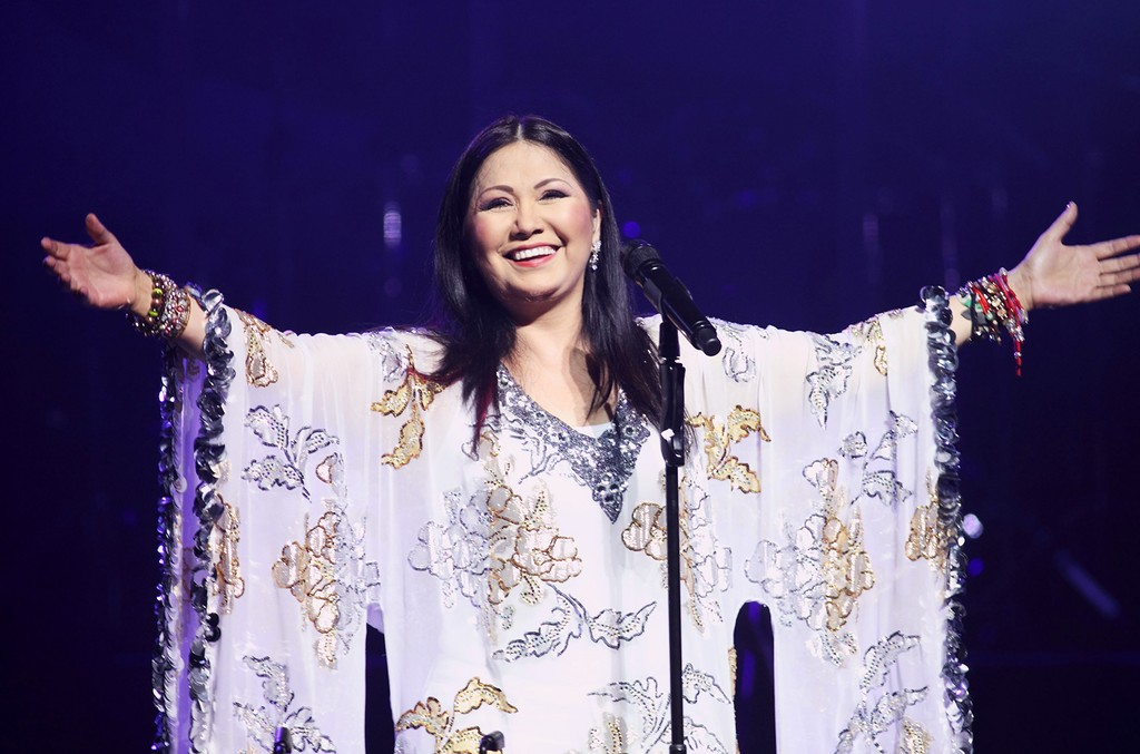 Ana Gabriel performs at the James L Knight Center on Feb. 14, 2009 in Miami.