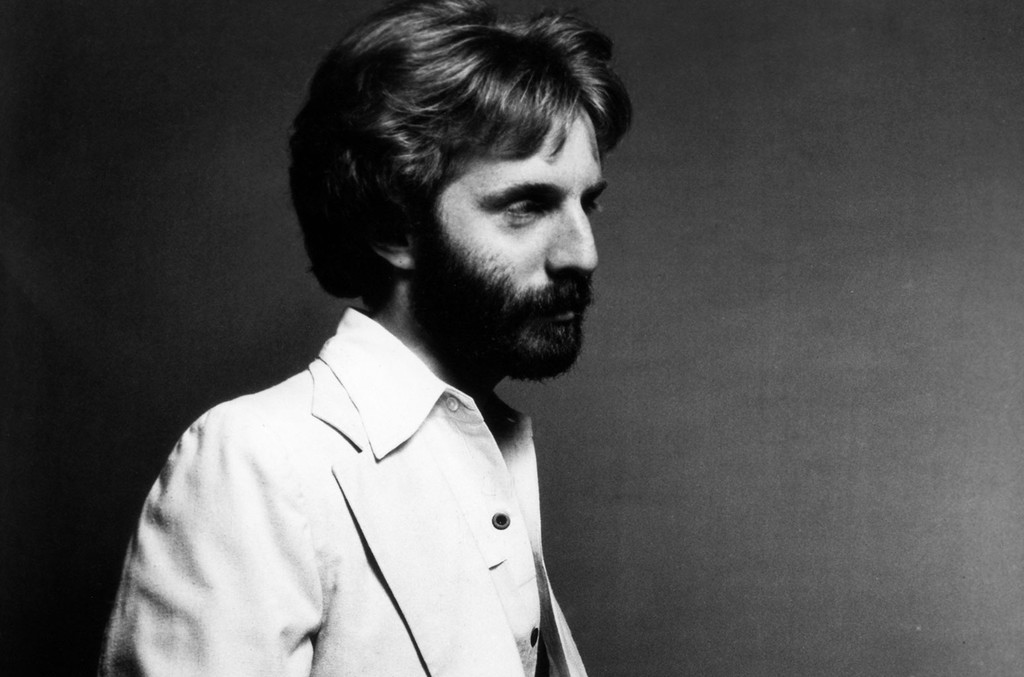 Andrew Gold poses for a portrait circa 1978 in Los Angeles.