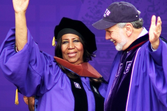 Aretha Franklin receives honorary degree from NYU, 2014