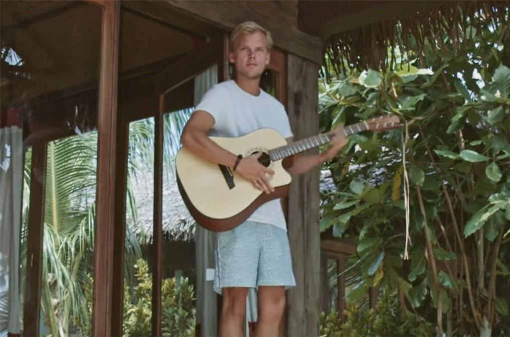 "Avicii, ""Heaven"" (Tribute Video)"