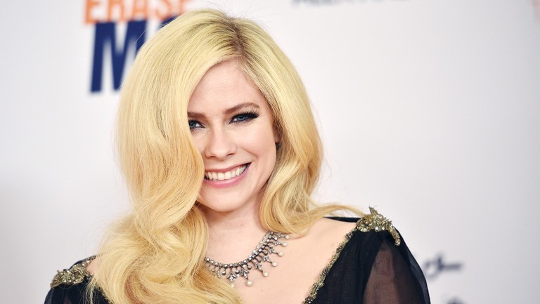 Avril Lavigne Confirms She S Putting The Finishing Touches On