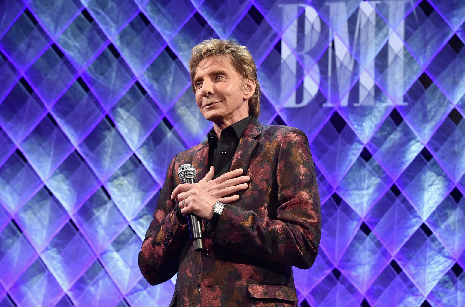 Barry Manilow accepts the BMI Icon Award at the Broadcast Music, Inc (BMI) honors Barry Manilow at the 65th Annual BMI Pop Awards on May 9, 2017 in Los Angeles, California.  (Photo by Lester Cohen/Getty Images for BMI) *** Local Caption *** Barry Manilow