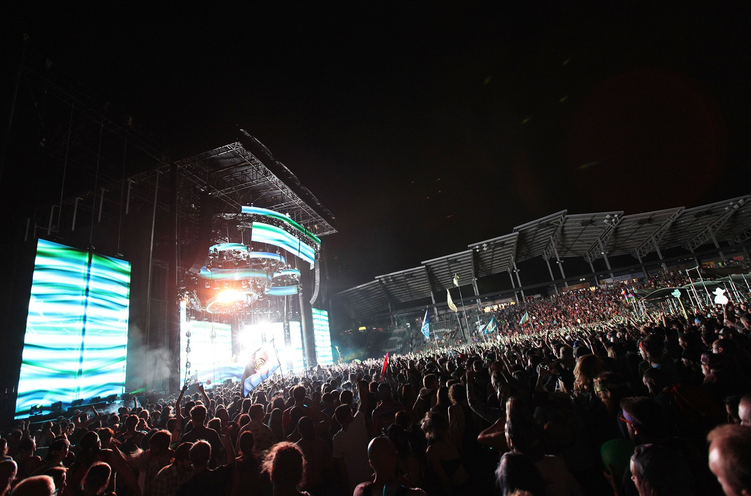 assnectar performs during opening night of Bass Center 2016