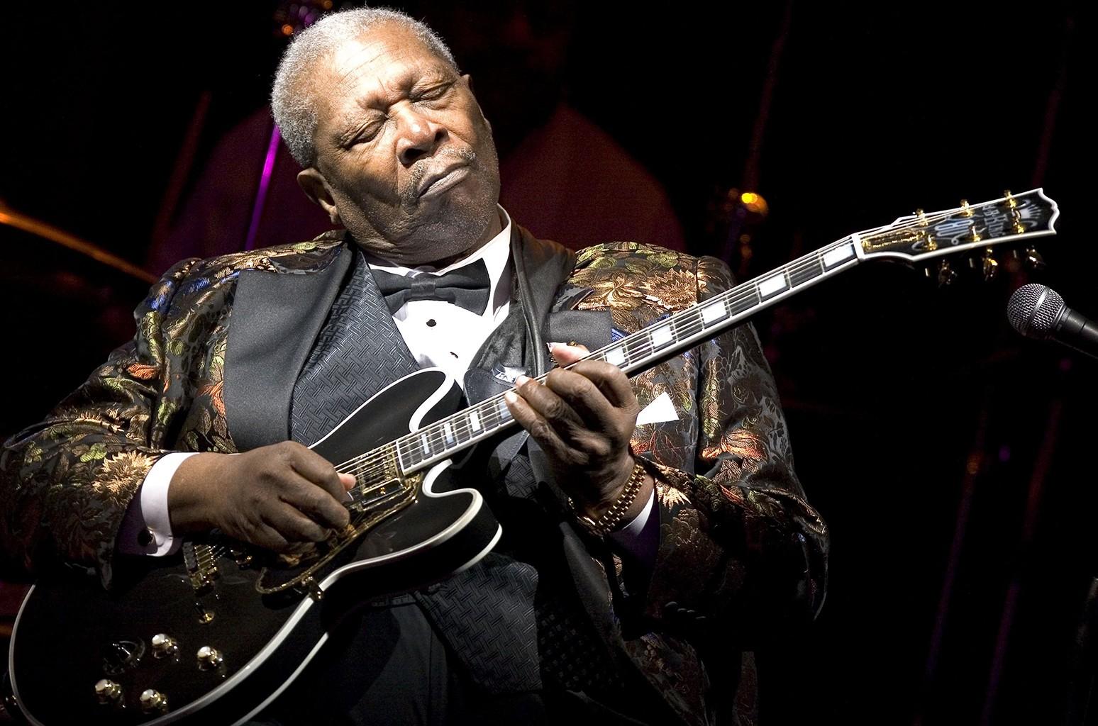B.B. King performs at B.B. King Blues Club & Grill
