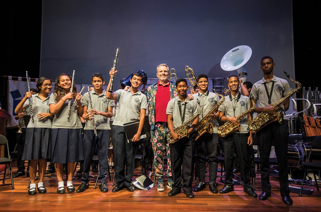Foundation supporter Miguel Bose (center) met with music students in  Panama during a Latin Grammy in the Schools event in 2016.