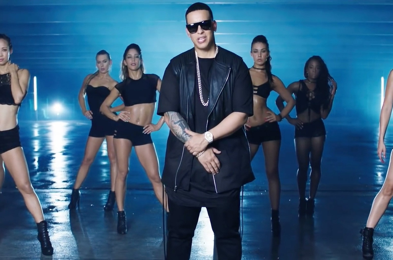 """Yankee's """"ShakyShaky""""  was No.1 on Billboard's Hot Latin Songs chart for fourweeks, with more than 75percent of its points comingfrom streaming."""