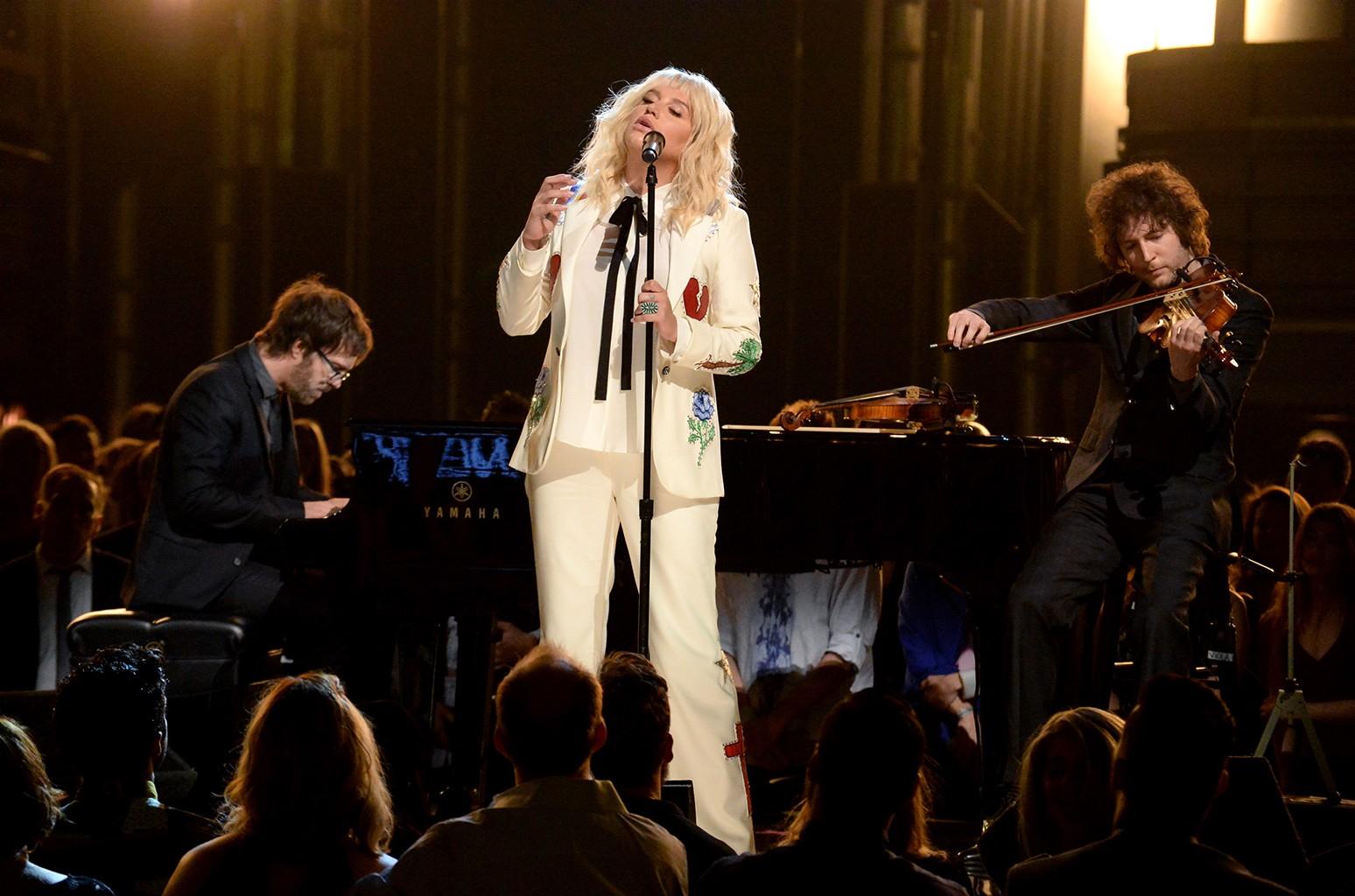 Ben Folds, Kesha and Rob Moose perform at the 2016 Billboard Music Awards