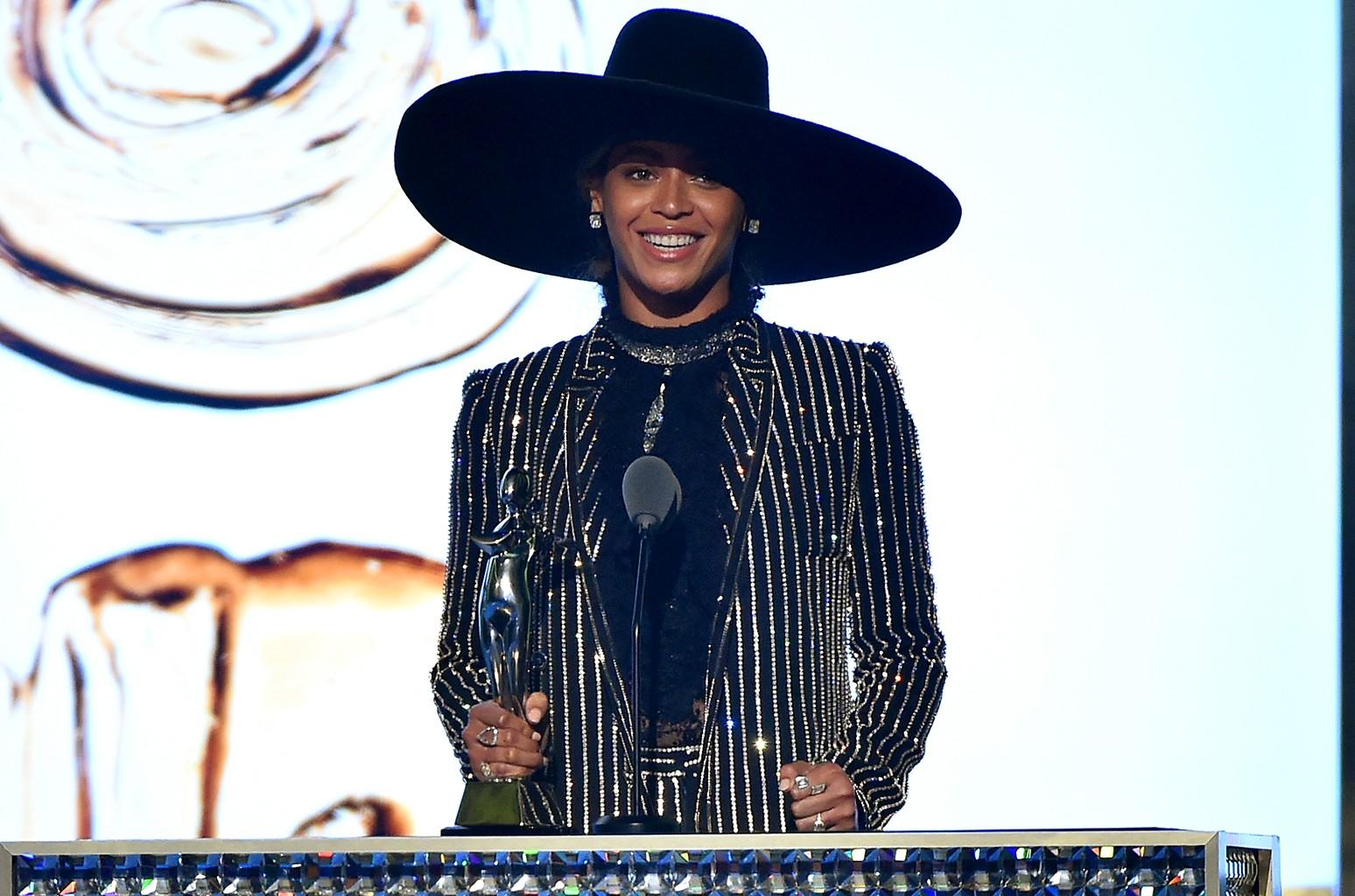 Beyonce at the 2016 CFDA Fashion Awards