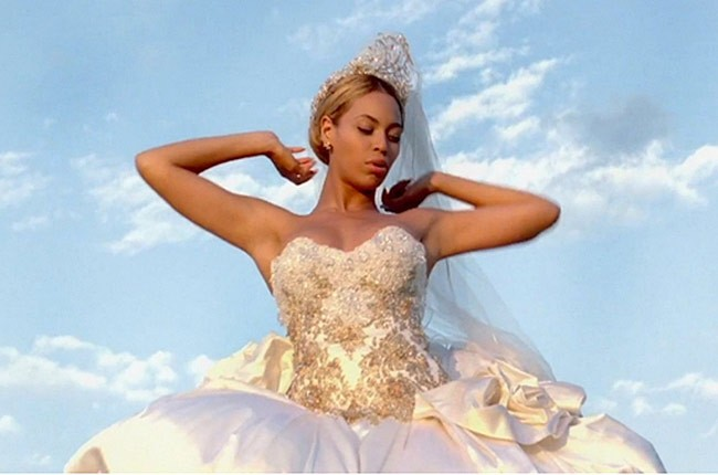 beyonce-best-thing-i-never-had-wedding-dress-650-430