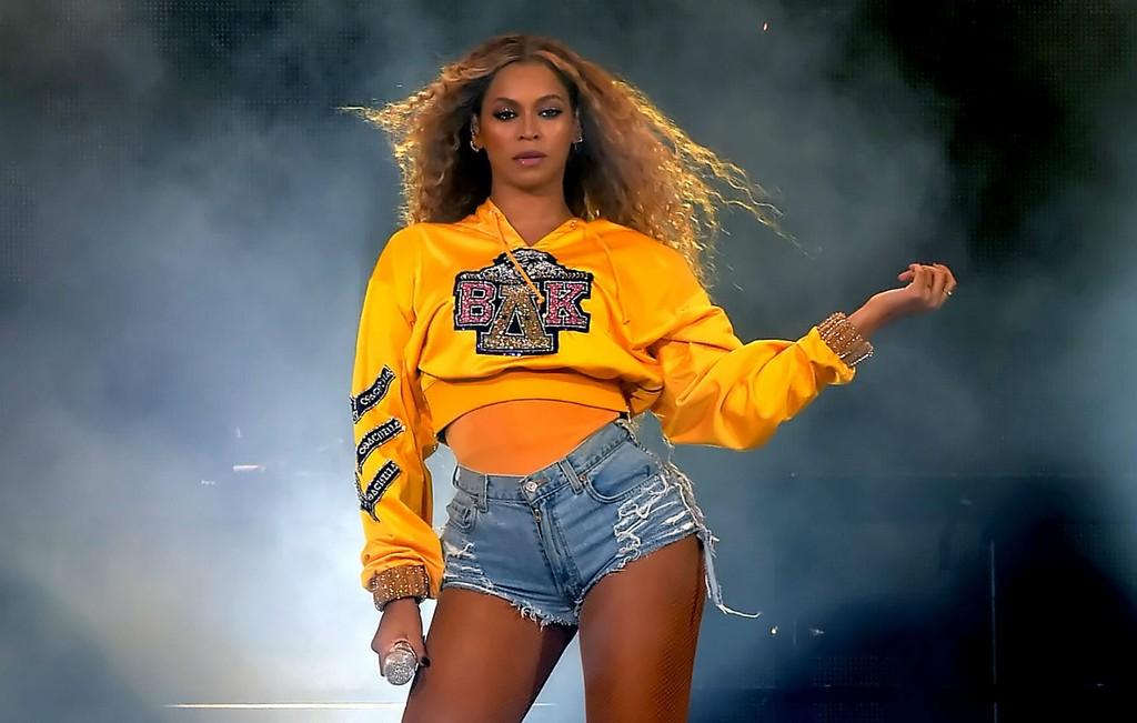Top R&B Female Artist