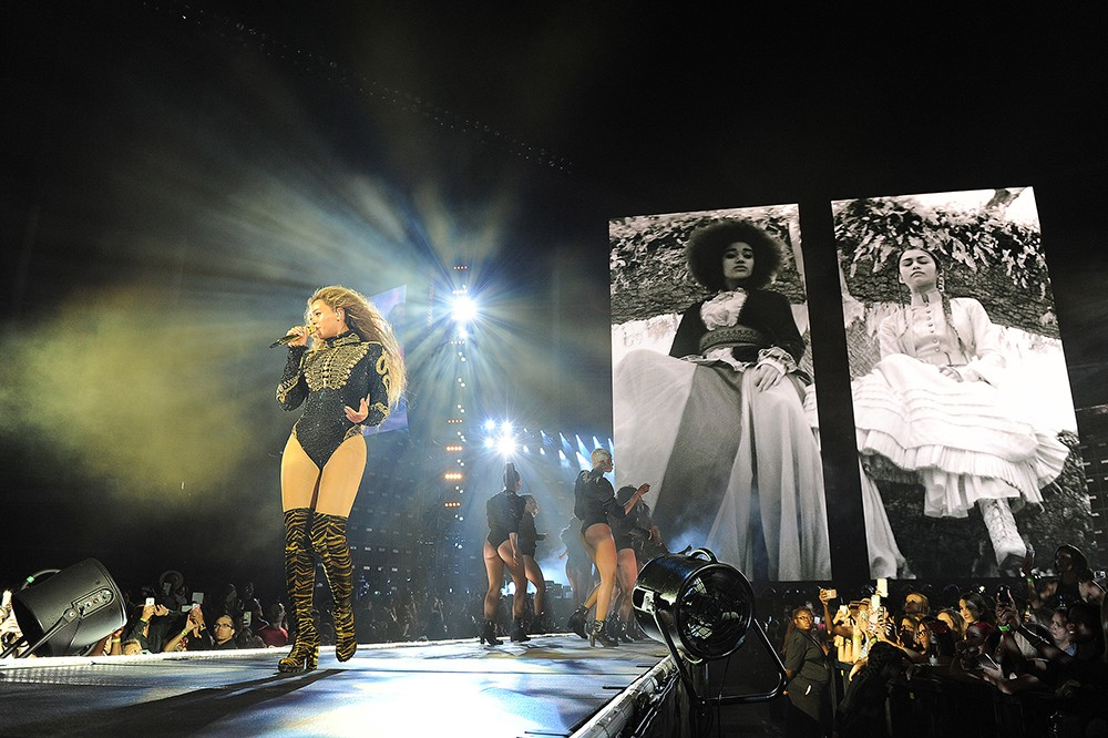 Beyonce Performs in Miami