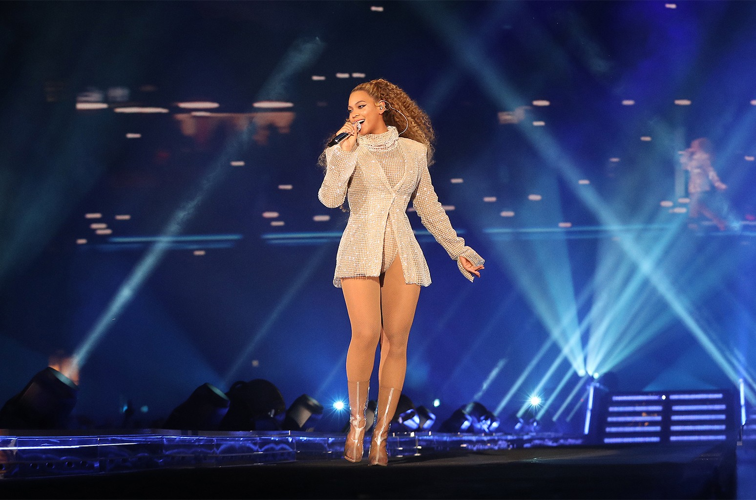 Beyonce: 7 Times She Was a Pro During Concert Mishaps | Billboard |  Billboard