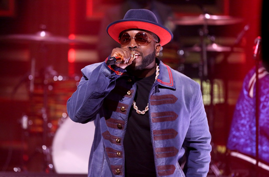 "Big Boi performs with ""The Roots"" on 'The Tonight Show Starring Jimmy Fallon' on April 24, 2017."