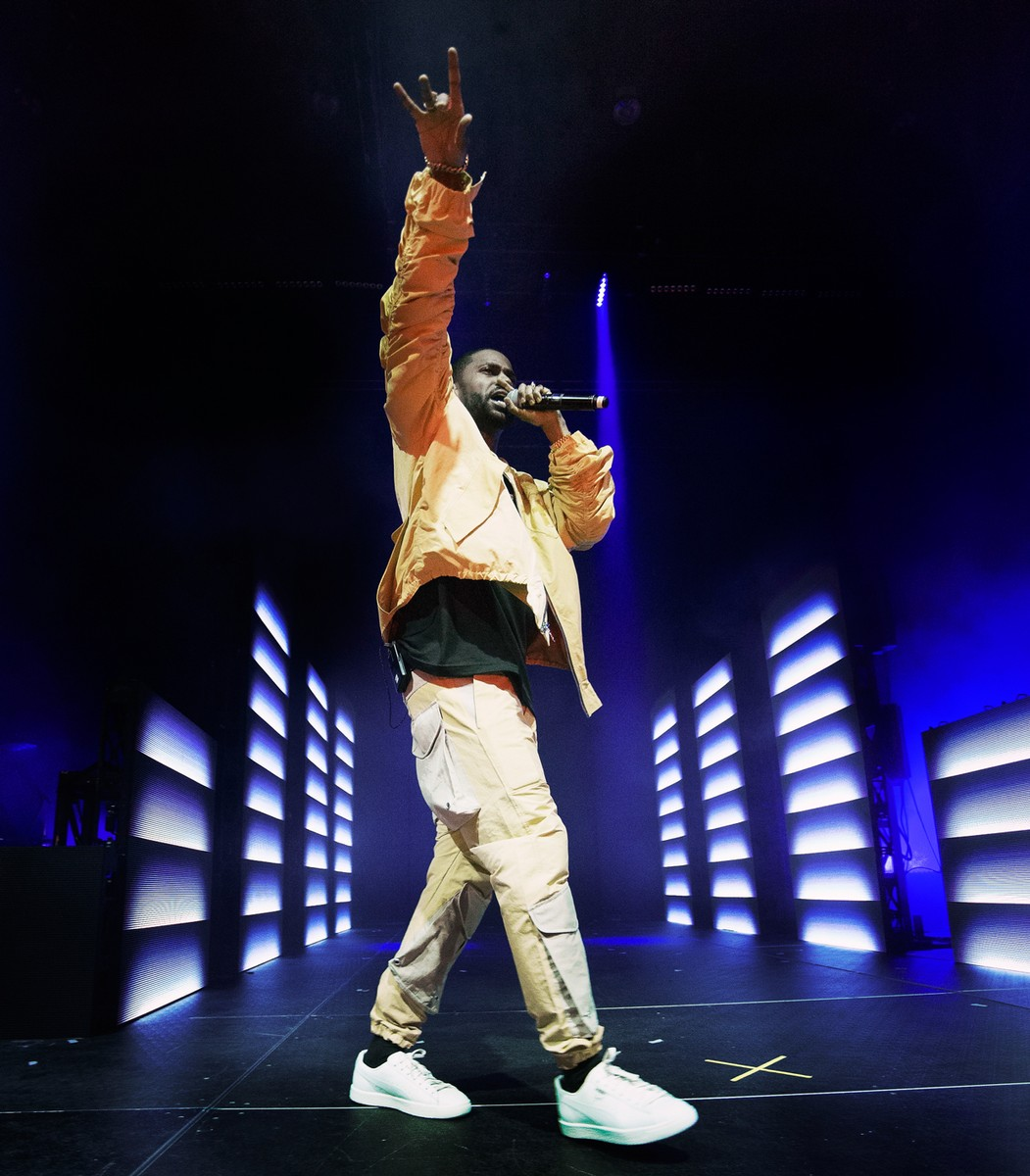 Big Sean performs at Revention Music Center on March 17, 2017 in Houston, Texas.