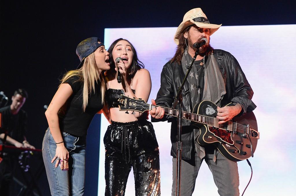 Miley Cyrus, Noah Cyrus and Billy Ray Cyrus