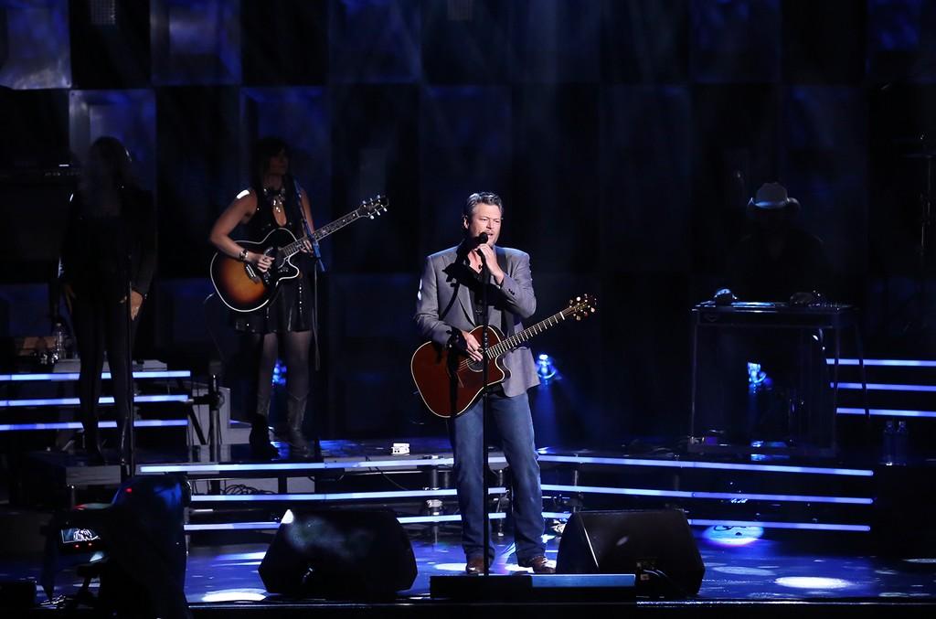 Blake Shelton performs on 'The Tonight Show Starring Jimmy Fallon' on April 4, 2017.