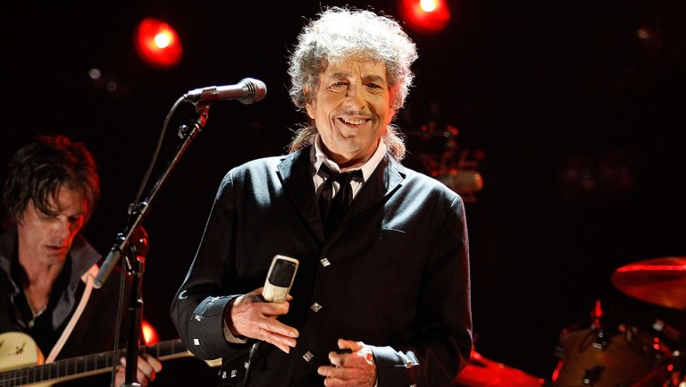 Bob Dylan Scores First-Ever No. 1 Song on a Billboard Chart With ...