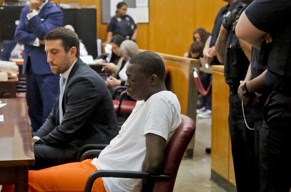 Bobby Shmurda appears with his lawyer Alex Spiro in court on Oct. 19, 2016 in New York City.