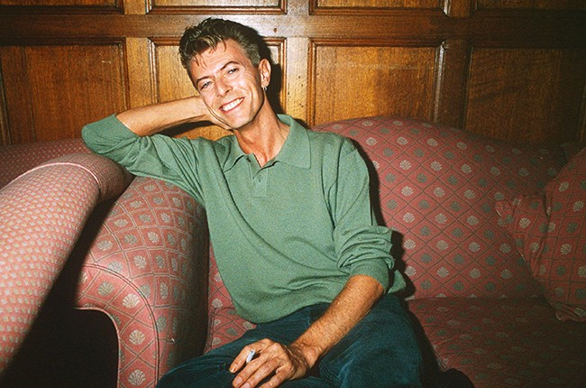 bowie-1991-couch-billboard-650